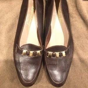 Salvatore Ferragamo Boutique brown leather flats